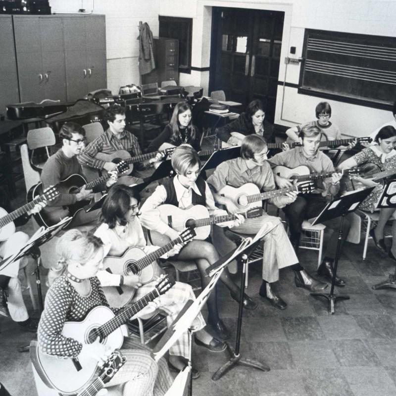 Student guitar class
