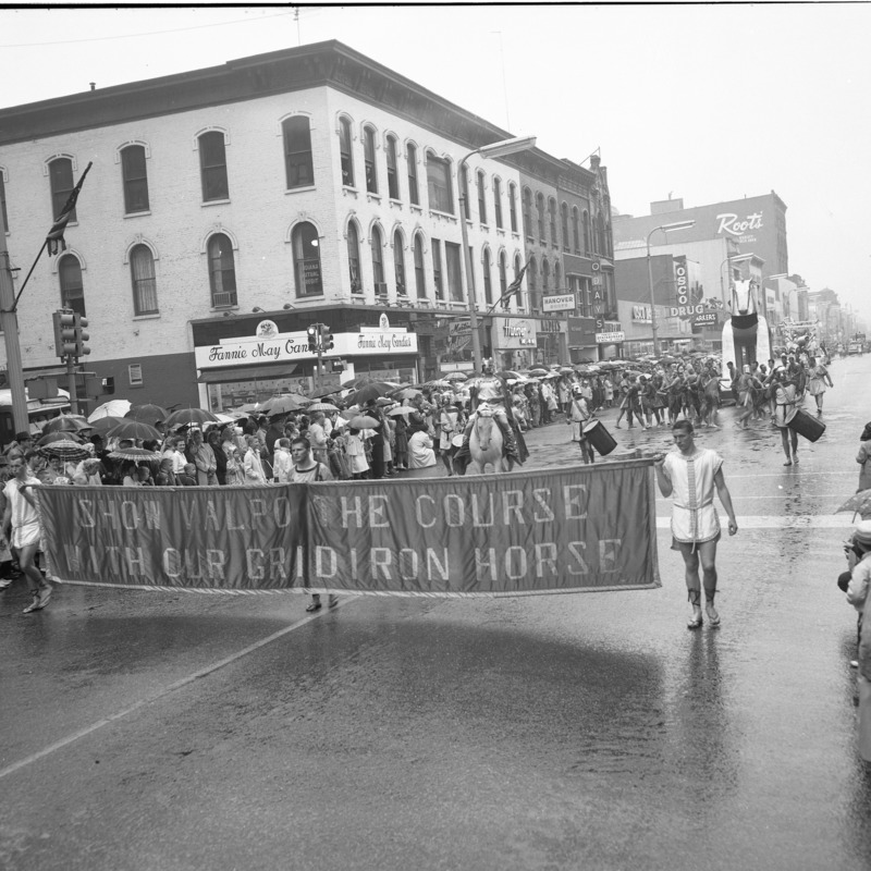 Blue and White parade, 1962
