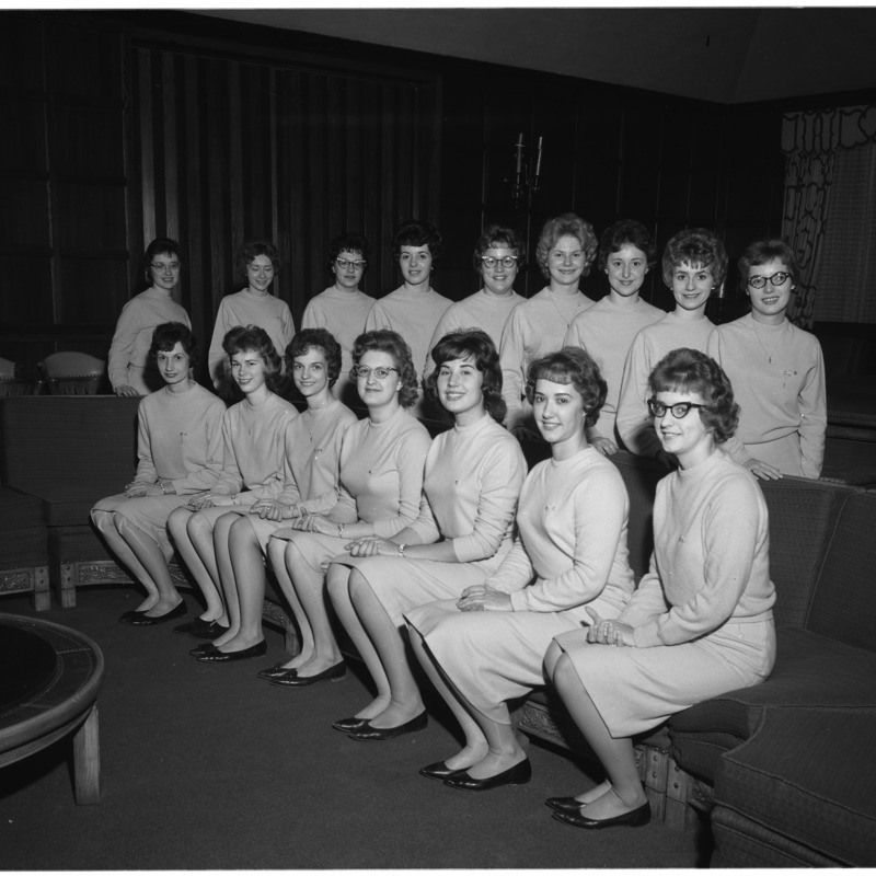 Alpha Sigma Alpha group photo, 1961