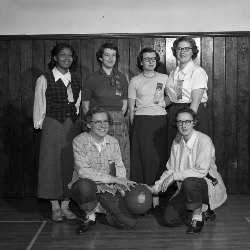 Women's basketball tournament winners