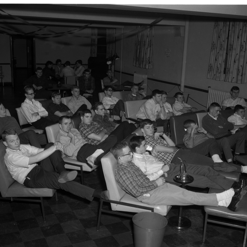 Students watching TV in Parsons Hall lounge