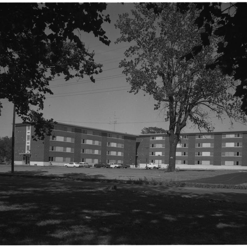 Maehling Terrace University Apartments